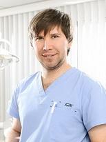 Хасянов Дамир Шамилевич, стоматолог хирург имплантолог